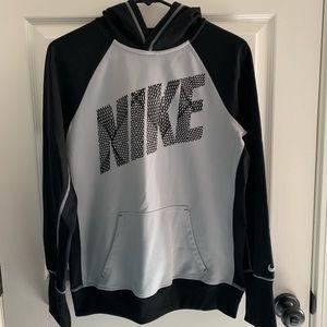 Women's Nike therma-fit hoodie
